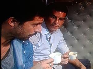 Relaxing café con Hugo Silva y Mario Casas