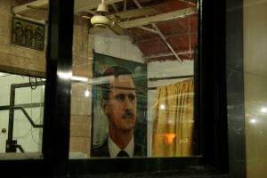 Una foto de Bashar al Assad en cada esquina.